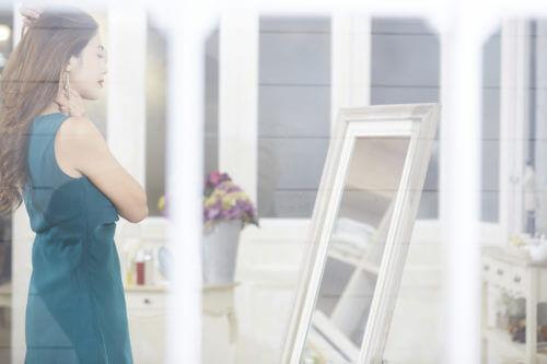 20代の結婚式はレンタルドレス【旬顔デザイン・カラー&ブランド大公開】