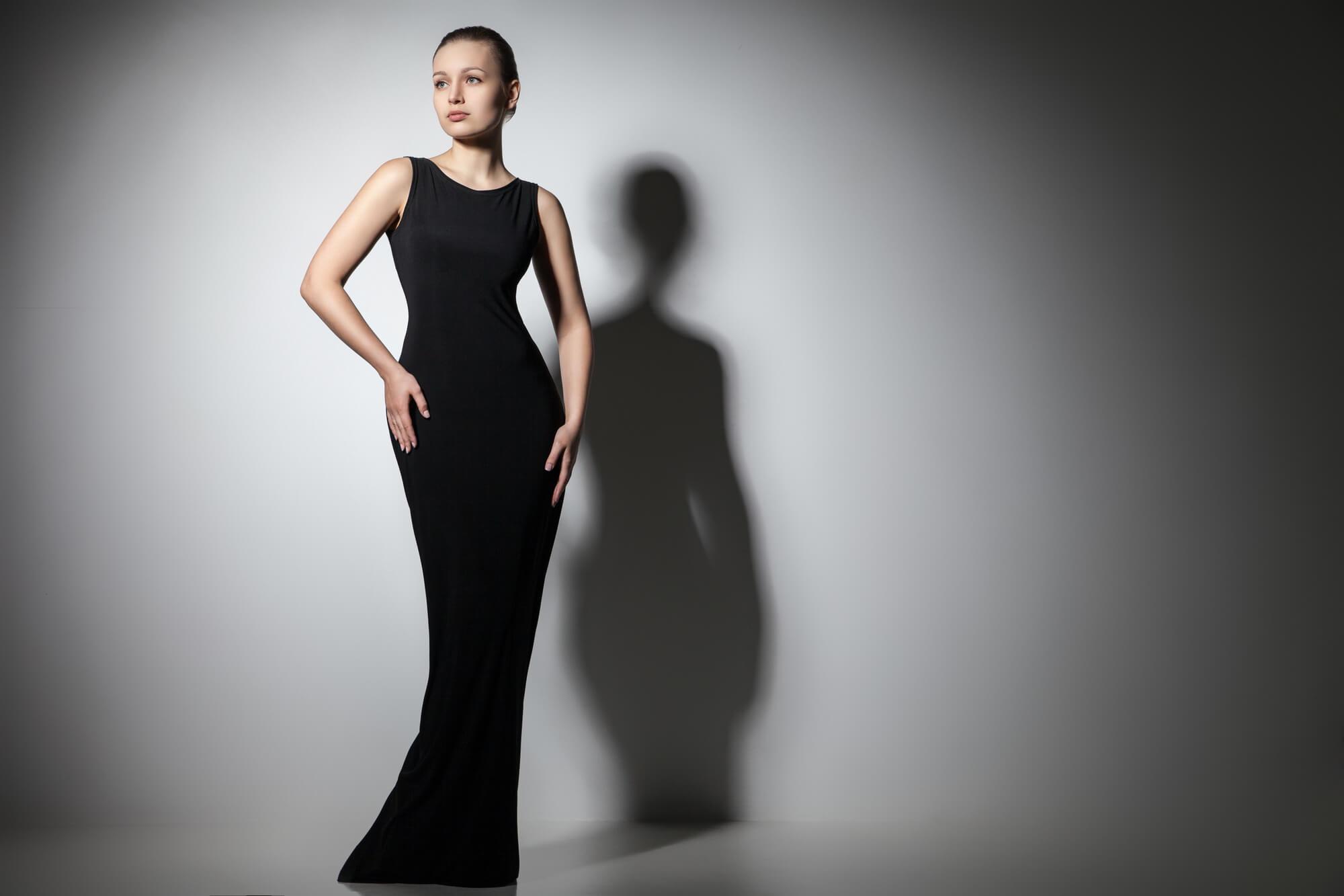 ブラックのレンタルドレス