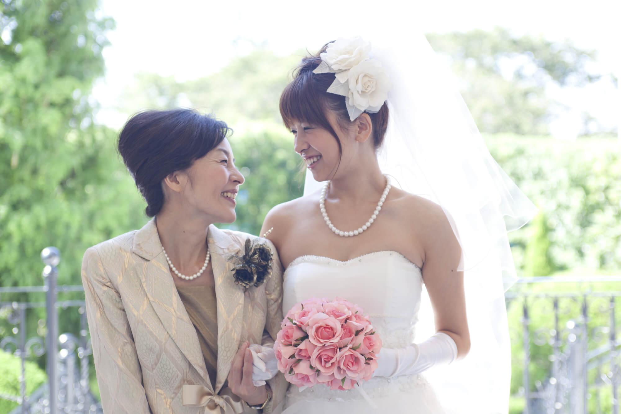 結婚式母親向けのレンタルドレス