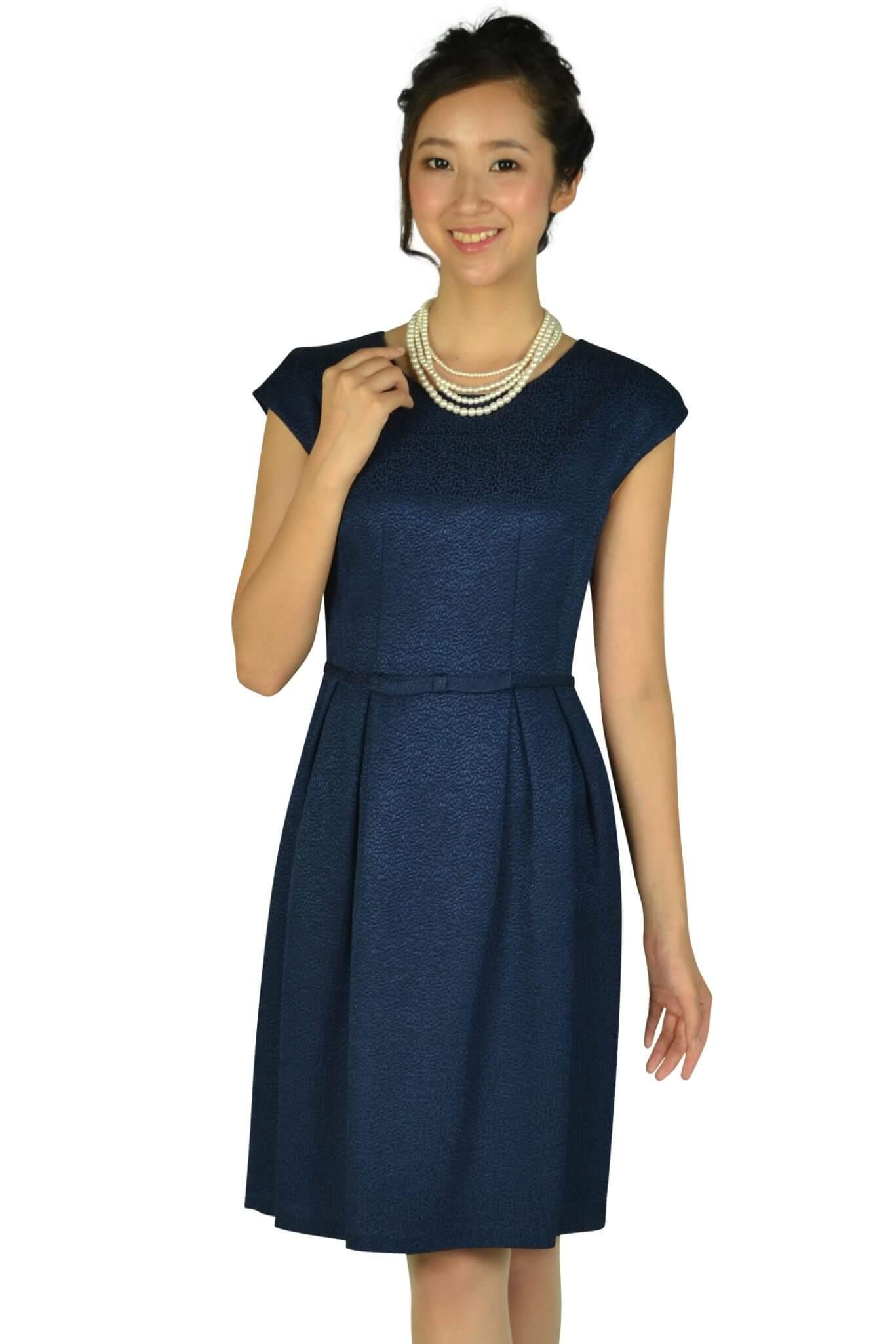 ストロベリーフィールズ (STRAWBERRY-FIELDS)ウエストリボン光沢ネイビードレス