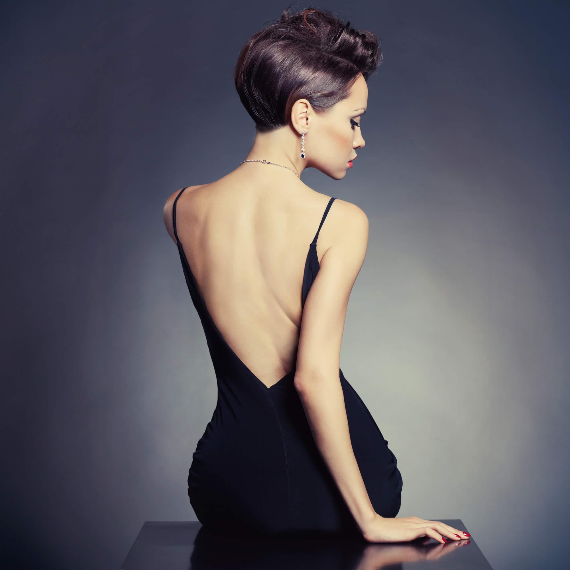 フォーマル度高いブラックのレンタルドレス
