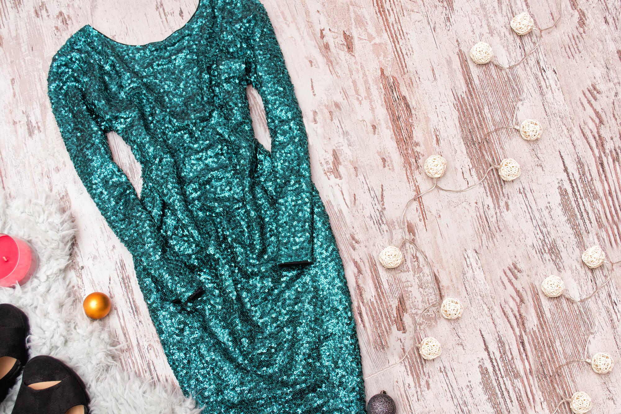落ち着き感あるグリーンのレンタルドレス
